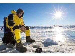 Не знаете как выбрать костюм для зимней рыбалки? Ответ в статье.